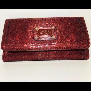🌹 Guess women's trifold wallet